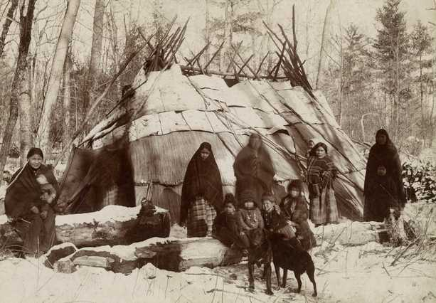 Ojibwe people along the St. Croix River in 1885 (Photo by Sanford C. Sargent, courtesy MN Historical Society)